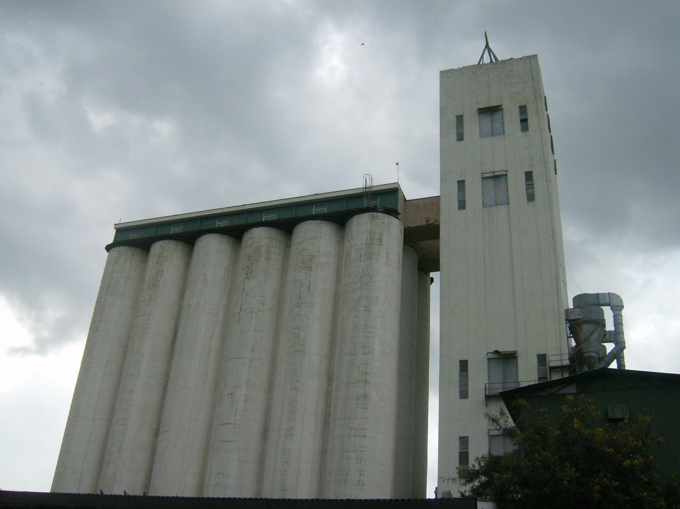 Zonas Rurales de almacenamiento de granos básicos