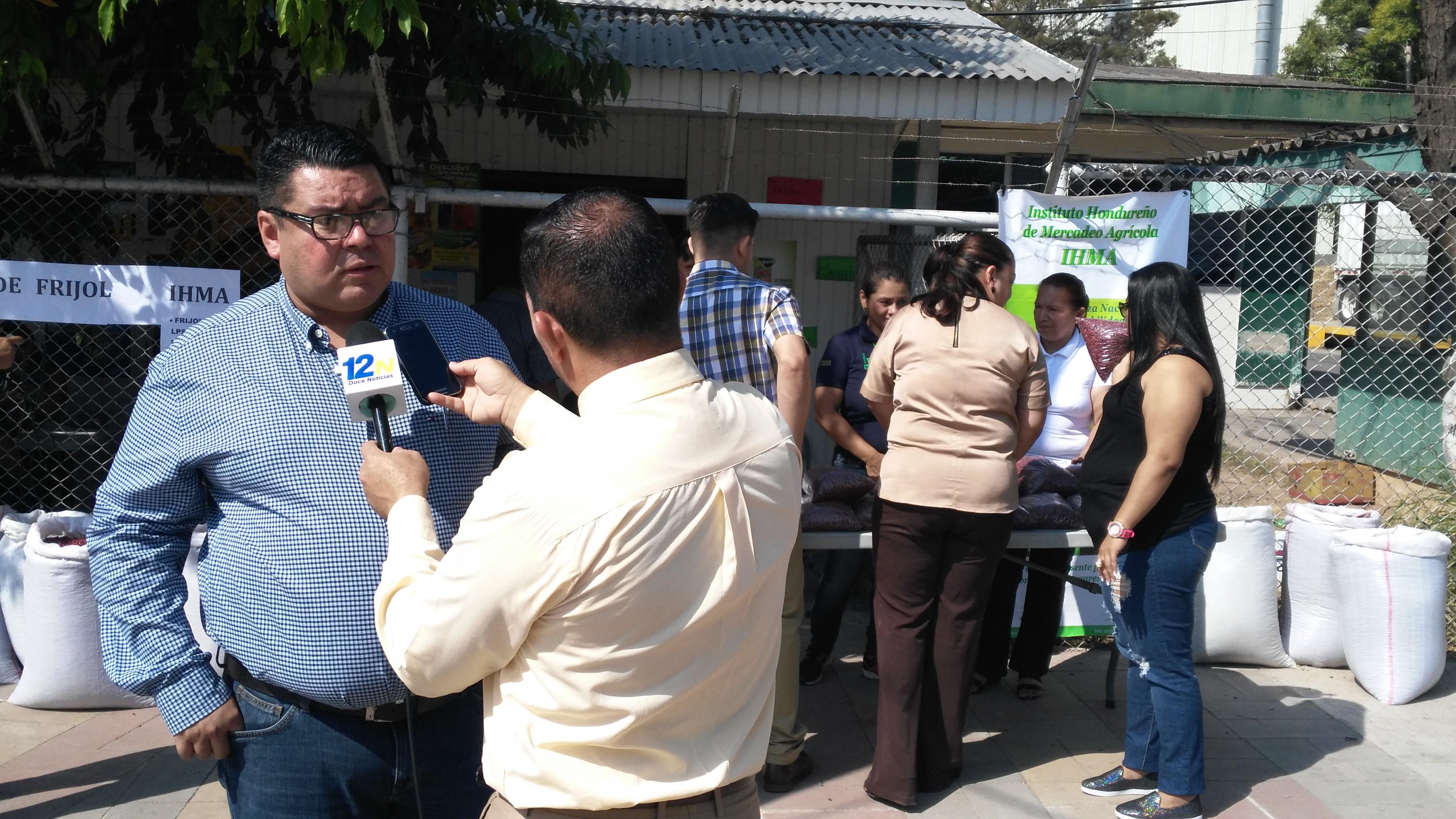 Gobierno habilita punto de venta de frijoles en San Pedro Sula